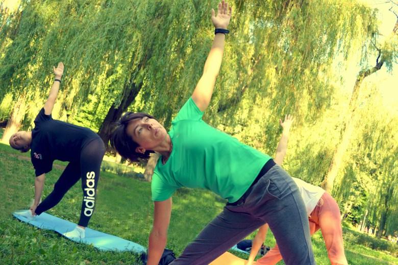 Відкриті класи йоги на травичці у Києві