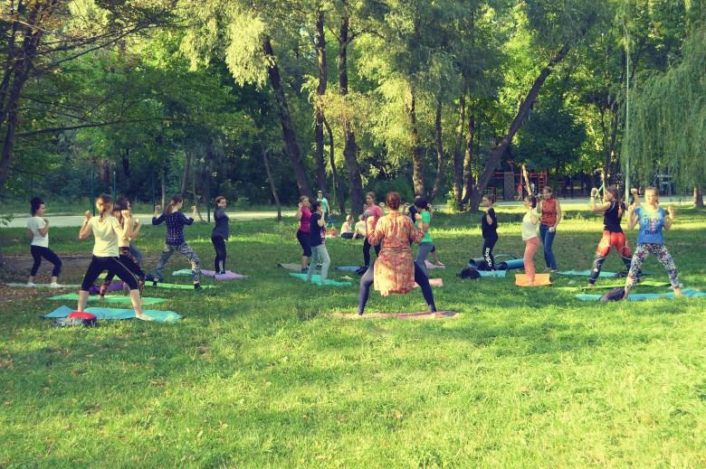 #здоровайога в серпні пройшла у парку Рильського